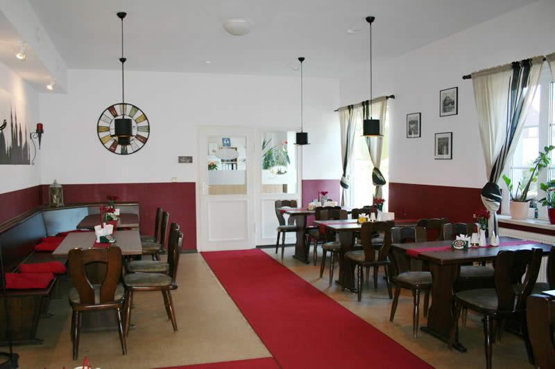 restaurant praha dresden tschechisches restaurant b hmische spezialit ten gastst tte im. Black Bedroom Furniture Sets. Home Design Ideas